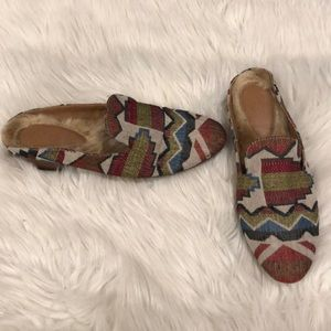 EUC Universal Threads Faux Fur Lined Mules